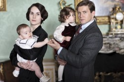Downton Abbey S4 - Lady Mary Crawley (Michelle Dockery) en Tom Branson (Allen Leech)